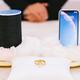 オーストリアで「SiriとAlexaの結婚式」が挙げられる