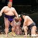 貴景勝は妙義龍(右)を破り大関復帰を決めたが、土俵上では平然としていた