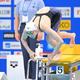 女子50メートルバタフライ決勝のスタートを切る池江璃花子(撮影・高部洋祐)