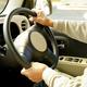 相次ぐ高齢ドライバーの事故で「75歳以上限定免許」を政府が検討開始。一方、欧米では......? *写真はイメージです
