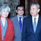 韓日中外相の夕食会が20日に北京で行われた。左から康氏、河野氏、王氏(中国外務省のHPより)=(聯合ニュース)