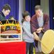 寄席の楽しさ、まるごと体験して 落語家・柳家さん喬さん@秋田・横手市立朝倉小学校