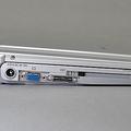 左側面には、ミニポートリプリケーターポートを搭載し、オプショ