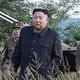 挑発は止む気配がない(9月11日、ミサイル試射に立ち会う金正恩委員長。AFP=時事)