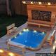 木工細工職人が高級リゾート風の鳥小屋を作成!【映像】