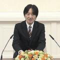 記者会見で質問に答える秋篠宮さま(写真は宮内庁提供動画から)