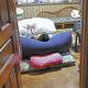 半年近く新型コロナの後遺症に苦しむ女性。階段を上ることも困難なため、1階に布団を敷き、1日を過ごすことが多い(15日、福岡県糸島市で)=貞末ヒトミ撮影