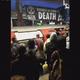 ロンドンの地下鉄で気候変動対策求める団体がデモ