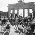 (写真)14日、ベルリンで、「慰安婦」問題での謝罪と補償、戦時