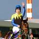 2005年10月23日 菊花賞を制して三冠を達成したディープインパクトと武豊