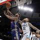 米プロバスケットボール(NBA)の元選手で、3x3(スリーバイスリー)のプロリーグBIG3でもプレーしたアンドレ・エメット(左、2018年6月29日撮影)。(c) Jonathan Daniel/BIG3/Getty Images/AFP