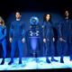 米ニューヨーク州ヨンカーズで発表された、ヴァージン・ギャラクティックの宇宙服(2019年10月16日撮影)。(c)Don Emmert / AFP