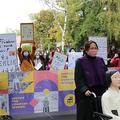 ベルリンの慰安婦少女像撤去に抗議するデモ