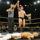 KUSHIDAはUK王者ウォルター(上)との一騎打ちに敗れた(C)2019 WWE, Inc. All Rights Reserved.