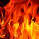 オレンジの火柱が走り、地響きのような爆発音が轟いた。膨れた窓ガラスが砕け散り、熱風が昼下がりの青空に黒煙を吹き上げた(写真はイメージです)