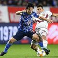 日本代表の衝撃的な敗戦は韓国でも詳細に報じられた。写真:金子