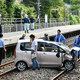JR鹿児島線の東福間駅で軽乗用車が線路に転落 運転手とみられる男性がけが