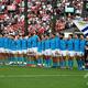 ラグビーW杯日本大会・プールD、ウェールズ対ウルグアイ。試合前に整列するウルグアイの選手(2019年10月13日撮影)。(c)CHRISTOPHE SIMON / AFP