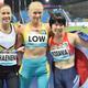 女子走り幅跳び(義足T63)で銅メダルを獲得し、日の丸を身にまとう兎沢朋美(右)=12日、ドバイ