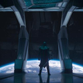 地球を見下ろすロナン(リー・ペイス)。どんな存在として登場する