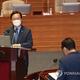 対政府質疑で答弁する金首相=23日、ソウル(聯合ニュース)