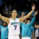 中国プロバスケットボールリーグの北京ダックスに移籍したジェレミー・リン(2016年3月21日撮影、資料写真)。(c)Streeter Lecka/Getty Images/AFP