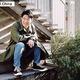 中国の芸能界で20年近くにわたって活躍する俳優、矢野浩二さん。映画やテレビドラマのほか、バラエティー番組の司会で活躍し、中国で「最も有名な日本人」として知られている。