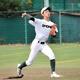 三ゴロをさばき、一塁へ送球する昌平・吉野