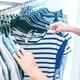 実店舗、オンライン…「服、どこで買ってる?」アンケート結果は…