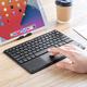 iPadをPCライクに使用できる!タッチパッド付きのBluetoothキーボード