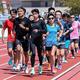 およそ100人が集まったイベント、集団走では「PACER TRACK CLUB」のペーサーが引っ張った【写真:中戸川知世】