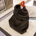 アレキサンダー・ワン、ラグジュアリーなゴミ袋を伊勢丹で発売