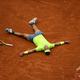 全仏オープンテニス、男子シングルス決勝。勝利を喜ぶラファエル・ナダル(2019年6月9日撮影)。(c)CHRISTOPHE ARCHAMBAULT / AFP