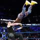 コフィ(上)にF5を決めるレスナー(C)2019 WWE, Inc. All Rights Reserved.