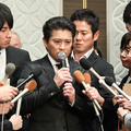 謝罪会見に臨んだ、TOKIOの山口達也