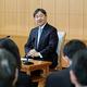 60歳の誕生日を前に記者会見される天皇陛下=21日、赤坂御所(代表撮影)