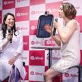 (左から)皮膚科医の吉田貴子氏、SHELLY