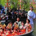 """柳川雛祭り""""さげもんめぐり"""" / きらびやかな水上パレードは必"""