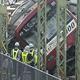 京浜急行の脱線事故、運転再開は7日始発か 夜通し復旧作業