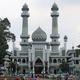 十字架冒涜で炎上、インドネシア著名イスラム説教師