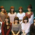 写真上段(左から)Pile/飯田里穂/楠田亜衣奈/久保ユリカ、写