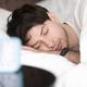 睡眠トラッカーが睡眠障害を悪化させる可能性も。専門家が指摘