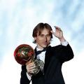 バロンドールを初受賞したモドリッチ【写真:AP】