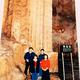 藤原紀香、32年前の家族旅行の写真を公開「スタイル抜群」「貴重」の声