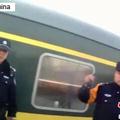 中国では列車などで他人の座席を占領する騒動が相次いでいるが、