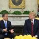 文在寅(ムン・ジェイン)大統領(左)とドナルド・トランプ米大統領(右)