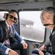 康京和外交部長官(右)とハリス駐韓米国大使が20日、ブラックホークヘリコプターに乗って烏山空軍基地に向かっている。[写真 ハリス大使 ツイッター]
