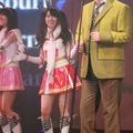 ステージで生歌を披露したタケカワユキヒデ
