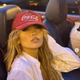公の場でベンとキスしていたジェニファー(画像は『Jennifer Lopez 2021年6月10日付Instagram「There's only one…」』のスクリーンショット)
