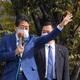 街頭演説をする自民党の安倍晋三元首相=21日午後、横浜市中区